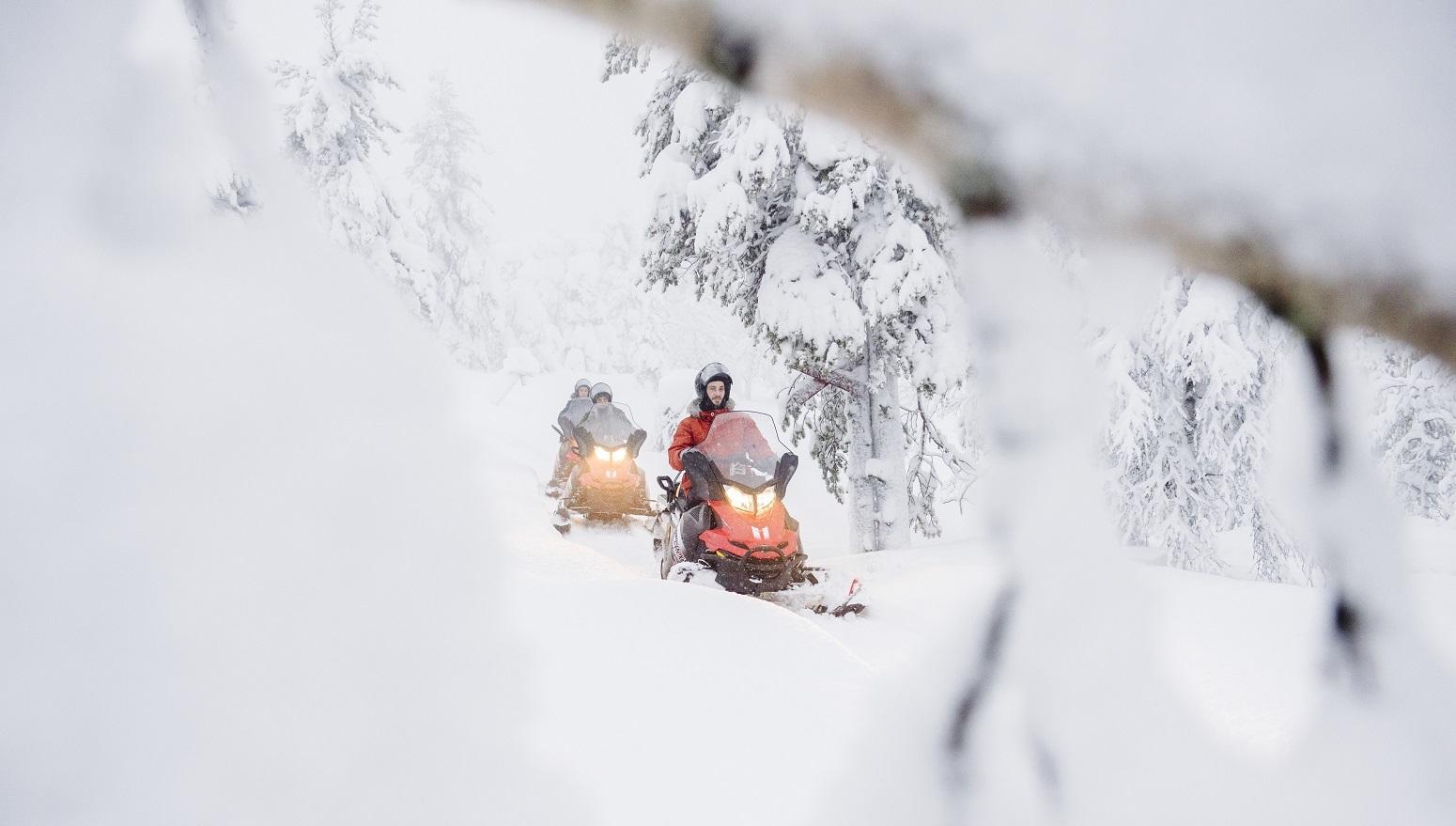 safari motos nieve laponia finlandia
