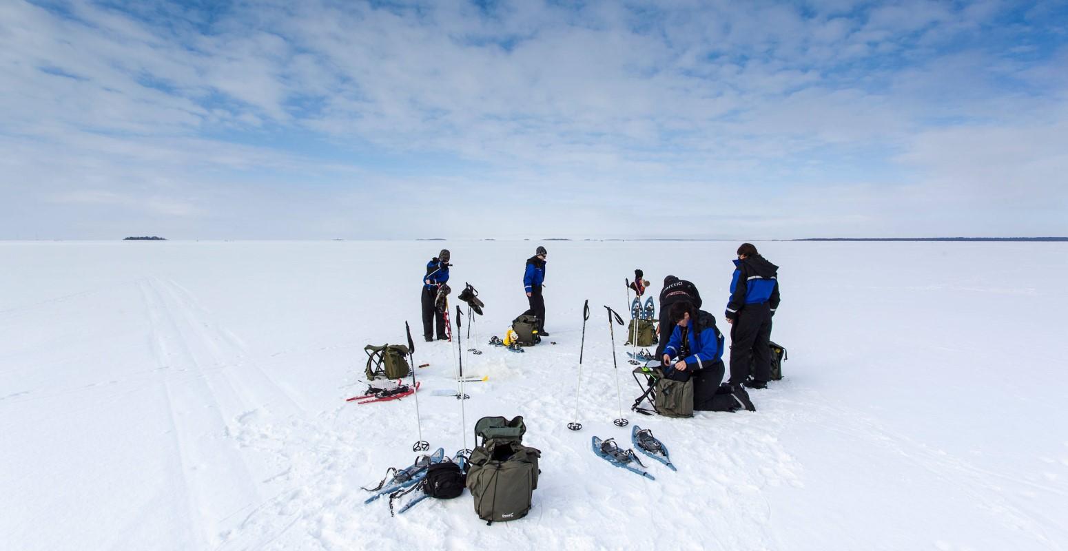 pesca en el hielo kuusamo laponia