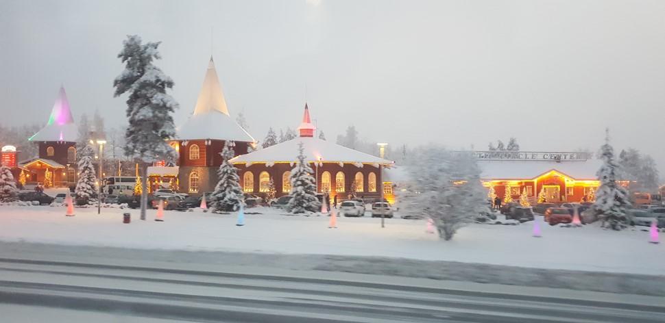 Familia De la Fuente Navidad 2018 Arctic Circle Wilderness 3